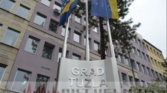 Grad Tuzla: Potpisani ugovori o realizaciji projekata sa organizacijama civilnog društva i sportskim klubovima