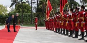 Predsjednik Albanije dočekao Džaferovića uz vojne počasti