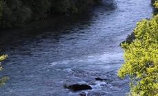 Vozilom sletjeli u rijeku Neretvu, traga se za djevojkom