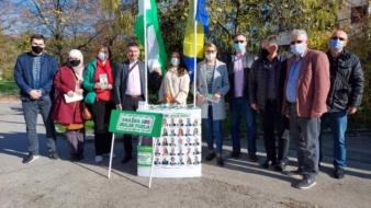 SDA ima plan za bolju Tuzlu: Kandidati i aktivisti u razgovoru sa građanima