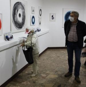 """Izložba """"Moja priča"""": Mensur Porović u tuzlanskom BKC-u predstavio 73 rada"""
