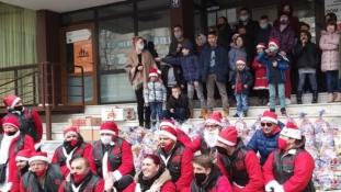 Bajkeri Condora darivali novogodišnje paketiće štićenicima Dom-porodice Zenica