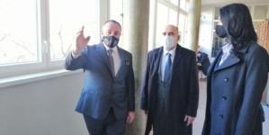 Vlada finansira zamjenu stolarije na Rudarsko – geološko – građevinskom fakultetu