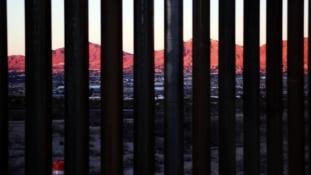 Biden ukinuo finansiranje izgradnje zida na granici s Meksikom