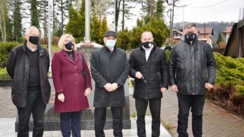 Posjeta spomen obilježju na Husinu: Jedinice HVO-a su dale veliki doprinos odbrani BiH na ovim prostorima VIDEO