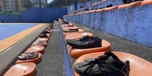 74 para cipela za 74 ubijena u masakru nad djecom Srebrenice: Dan prekinute mladosti Srebrenice