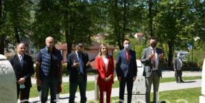 Povodom 9. maja delegacija Vlade položila cvijeće i odala počast