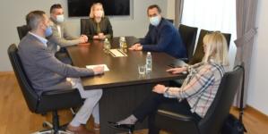 Vlada će sagledati mogućnosti da medijske radnike uvrsti među prioritetne grupe za imunizaciju