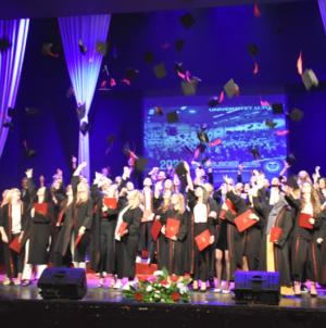 Promocija diplomanata i magistranata Univerziteta u Tuzli