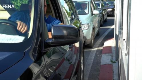 Nakon novih mjera za strance povećan promet na graničnim prijelazima BiH
