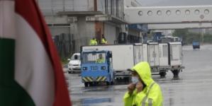 Na sarajevski aerodrom sletio avion s donacijom od 200.000 vakcina Sinopharm