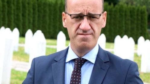 Ramiz Salkić napustio UKC Tuzla, upućen na kućno liječenje