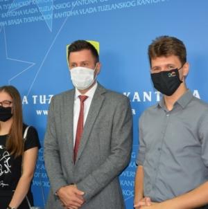 Ministar Baraković upriličio prijem za učenike sa zapaženim rezultatima na olimpijadama iz fizike i matematike