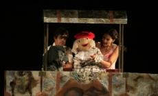 """Predstava """"Bajke iz stare sehare"""" na sceni Teatra kabare Tuzla"""