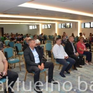 Prezentacija programa i projekata Fonda za upošljavanje osoba sa invaliditetom održana u Tuzli