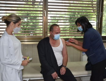 Ministar unutrašnjih poslova TK primio vakcinu Astra Zeneca