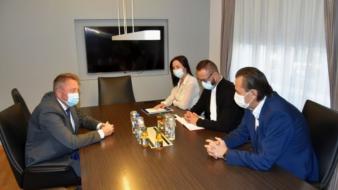 Premijer Hodžić upriličio prijem za doktora Dragana Piljića po kojem je u svijetu nazvana operativna metoda