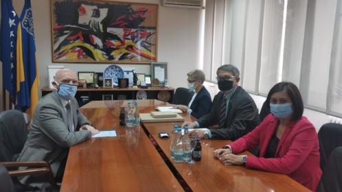 Sastanak ambasadora Velike Britanije u BiH sa gradonačelnikom i predsjedavajućom Gradskog vijeća Tuzle