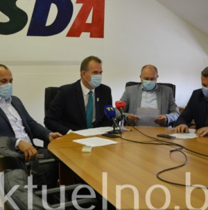 Press konferencija SDA TK: Hitno usvojiti Zakon o visokom obrazovanju i osigurati pravnu sigurnost borcima Armije BiH (VIDEO)